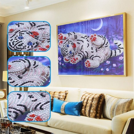 Cute Little White Tiger - Special Diamond Painting